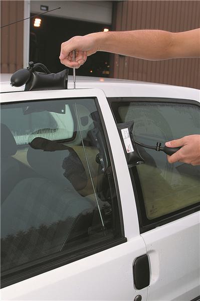2 2 3 portes impossible d 39 ouvrir la voiture - Ouvrir une porte de voiture ...